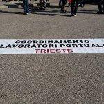 Portuali in sciopero: corteo sulle Rive e qualche tensione