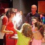 """Una domenica all'insegna della """"scienza in famiglia"""" all'Immaginario Scientifico di Trieste"""
