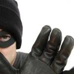 Tenta di rubare orologio da 25 euro: fermato nel camerino