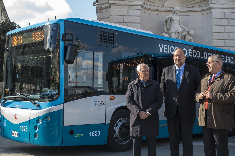 Nuovi autobus euro 6 per la trieste trasporti trieste - Nuova portaerei italiana trieste ...