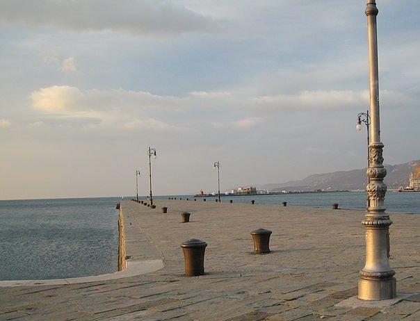 """Trieste: la Polizia arresta due pusher. Seguito dell'operazione """"Molo Audace"""""""