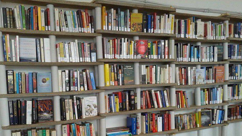 Inaugura LIBRONIA : la biblioteca sul mare del \