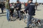 Polizia, per la sicurezza di triestini e turisti ecco la pattuglia ciclo montata
