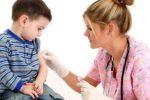 Vaccini, anti-meningococco B gratuito fino ai 5 anni