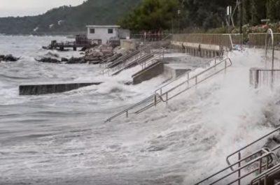 In arrivo piogge anche abbondanti, vento forte da sud e possibili mareggiate