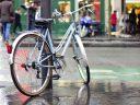 """I ciclisti urbani della FIAB Ulisse """"criticano"""" l'operazione """"taglia lucchetti"""" della Polizia Locale"""