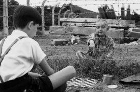"""I ragazzi dei licei di Trieste portano in scena la tragedia di Terezín, il """"ghetto modello"""" dei carnefici nazisti"""
