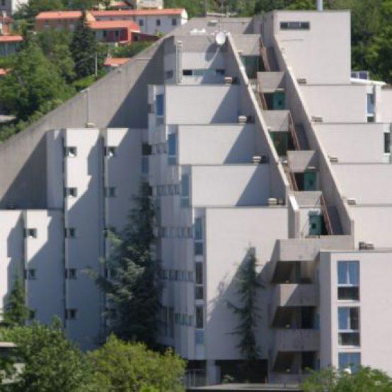 Università, Frattolin (M5s): «Grave che l'Ardiss abbia escluso alcuni studenti dalle borse di studio e dai contributi per l'alloggio per aver pagato in ritardo l'imposta di bollo di 16 euro»