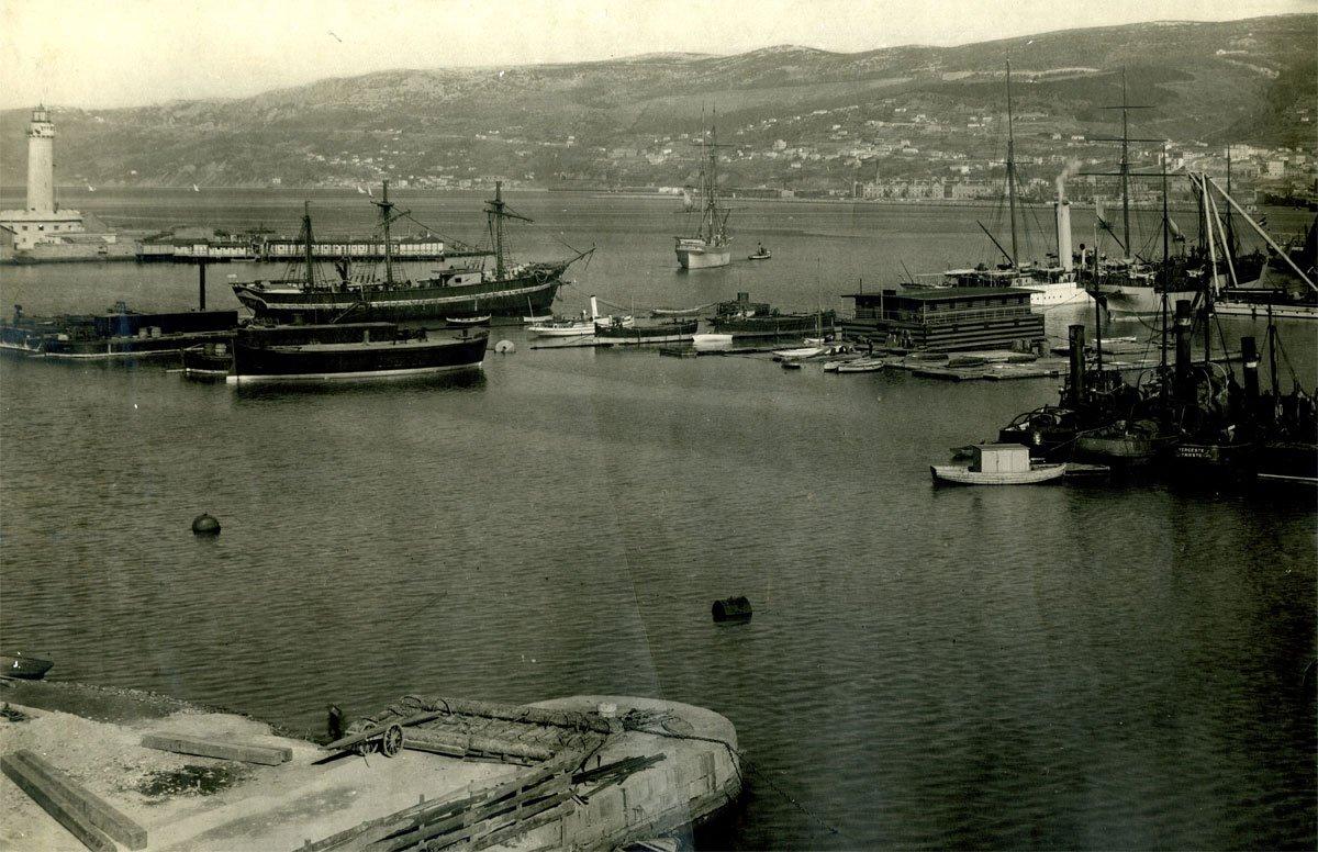 Trieste in costume storia dei bagni galleggianti nell - Bagno lanterna trieste ...