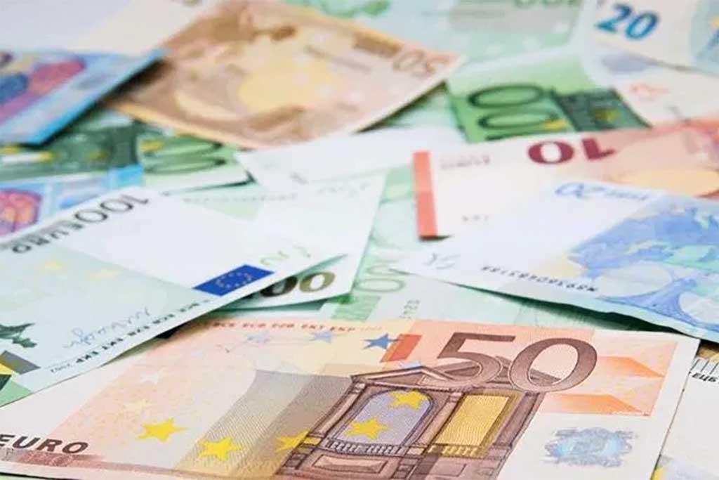 Addio al bonus Renzi. Nuovo credito in busta paga, da 80 euro si...