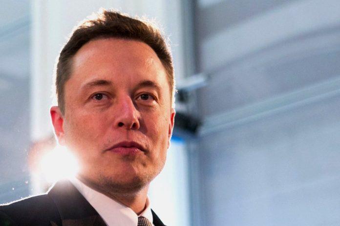 """Elon Musk: """"Le piramidi sono state costruite dagli alieni"""""""